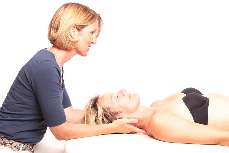 Osteopathie Behandlung Jennifer Mainzer Niederkassel